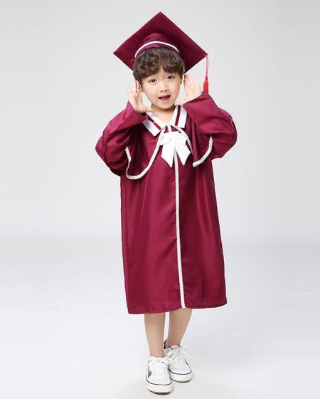 May lễ phục tốt nghiệp mầm non
