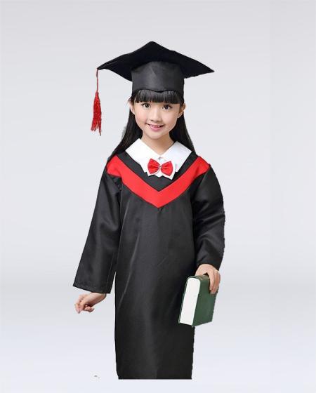 Lễ phục tốt nghiệp mẫu giáo